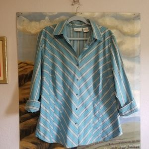Worthington Woman 1X Button up Stretch Blouse